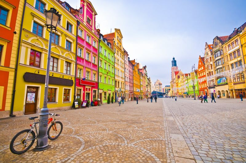 This image has an empty alt attribute; its file name is Wroclaw.Poland-small.jpg