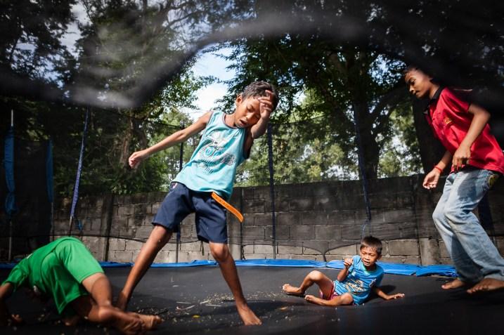 kids_playing_siem_reap