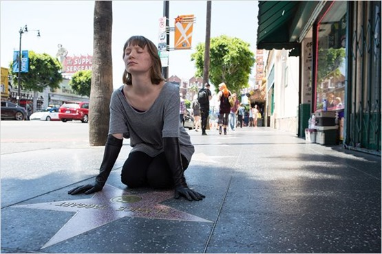 Maps to the stars - 4