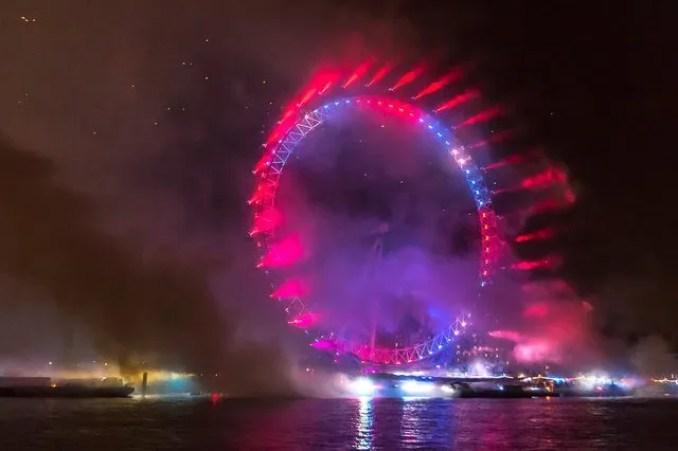 tűzijáték Londonban