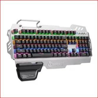 03 - PK-900: la tastiera definitiva?