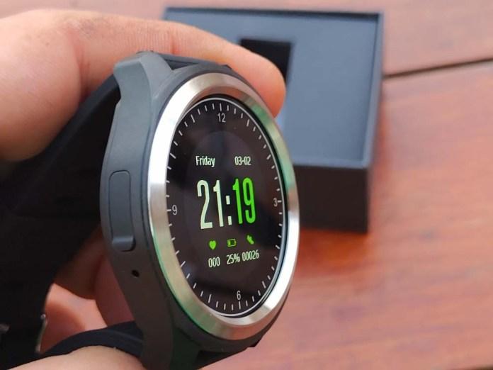 Kingwear KW05 Smartwatch sides 1