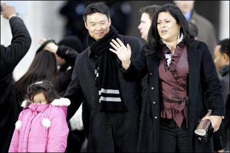Maya Soetoro-Ng with husband and daughter