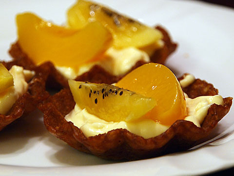 Peach and Golden Kiwi in Vanilla Custard and Brandy Basket
