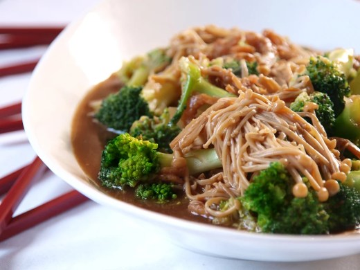 Golden Mushrooms and Broccoli with Dried Shrimps 1