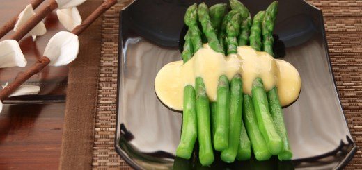 Asparagus in Hollandaise Sauce