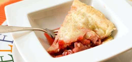 "Guest Post : Kristy from ""Eat, Play, Love"" featuring Strawberry Rhubarb Pie 1"