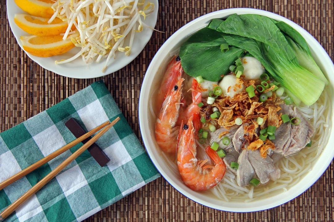 Image result for HỦ TIẾU MÌ GIA  sai gon photos