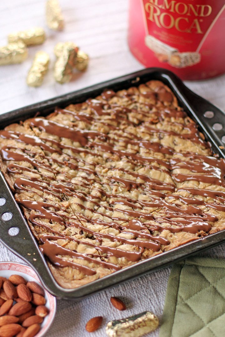 Chewy Almond Roca Cookie Bars