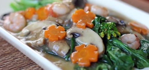 Choysum in Shrimp and Mushroom Sauce 2