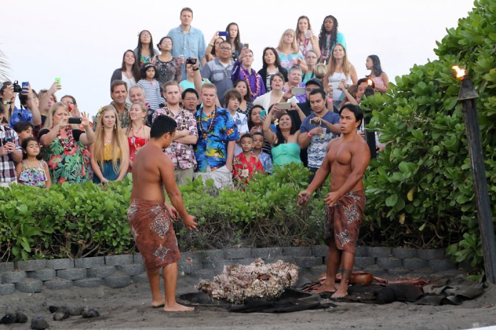 Germaine's Luau (Oahu, Hawaii) 01