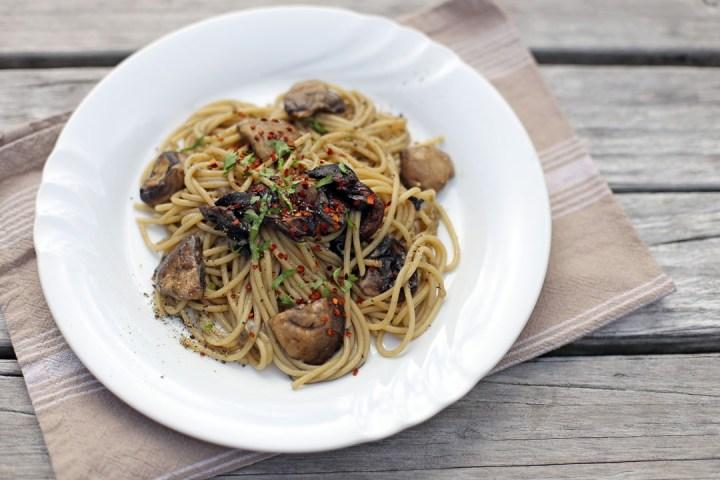 Spaghetti Aglio Olio e Funghi Wide