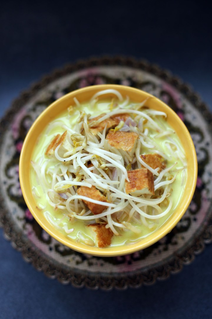 Tofu and Bean Sprout Braise