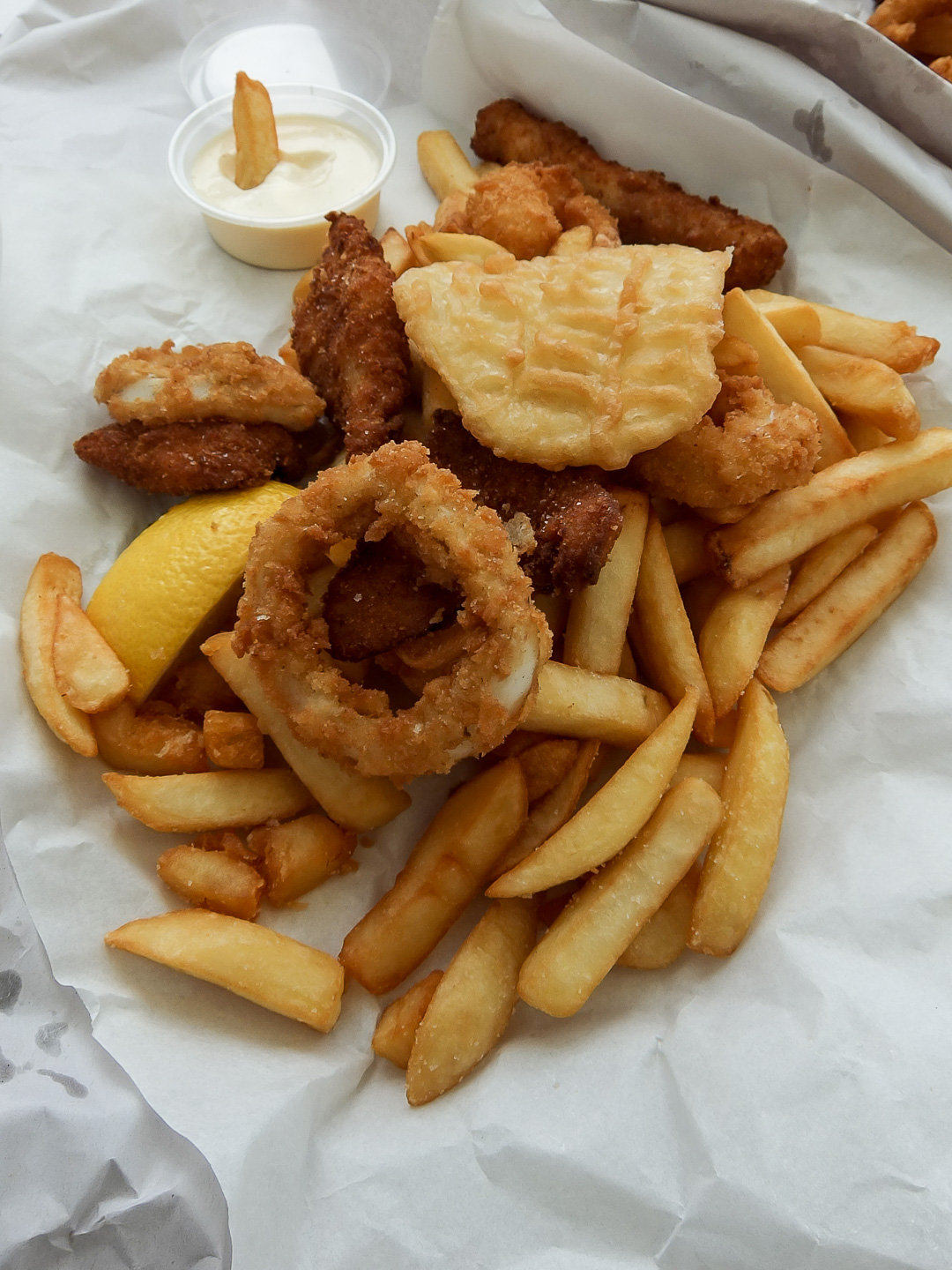 Salt village fish chips kingscliff nsw australia for Places that sell fish near me