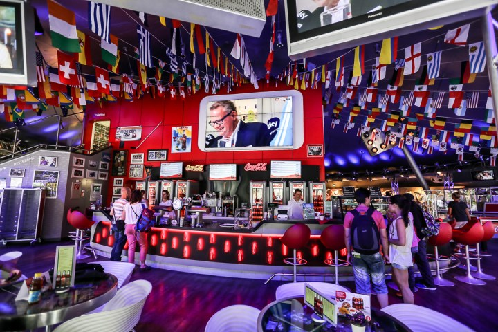 Coca-Cola SportsBar - Arena of Footbal 01