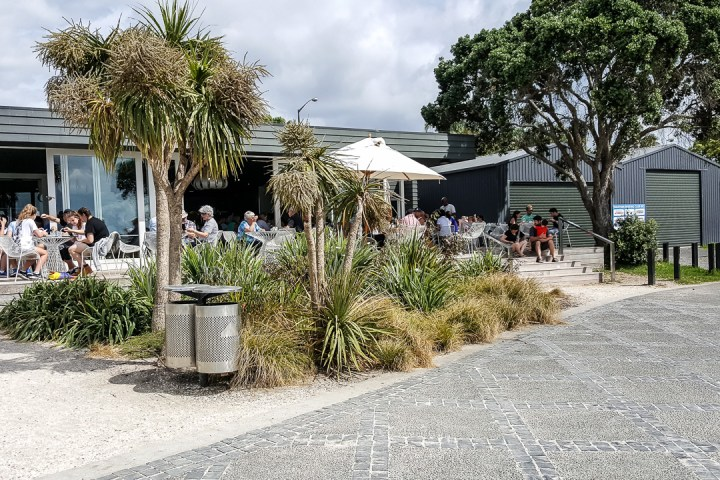 Takapuna Beach Store and Cafe (North Shore City, New Zealand) 1
