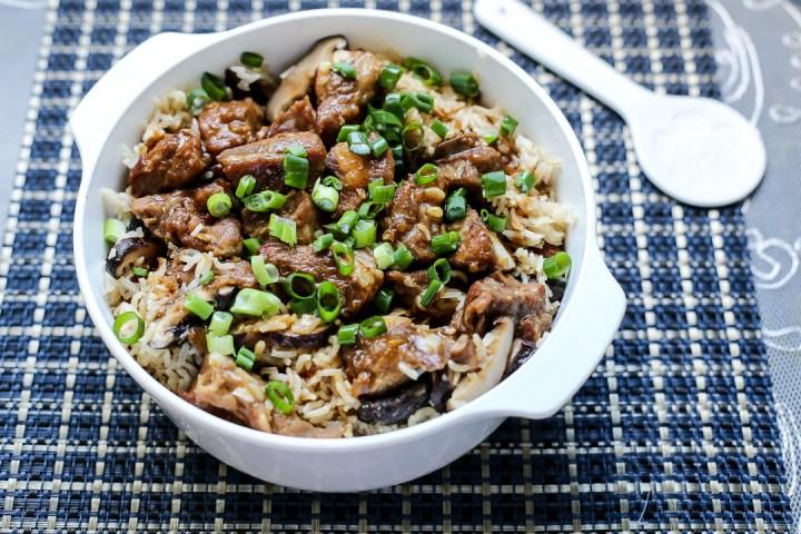 mushrooms-pork-ribs-claypot-rice-wide