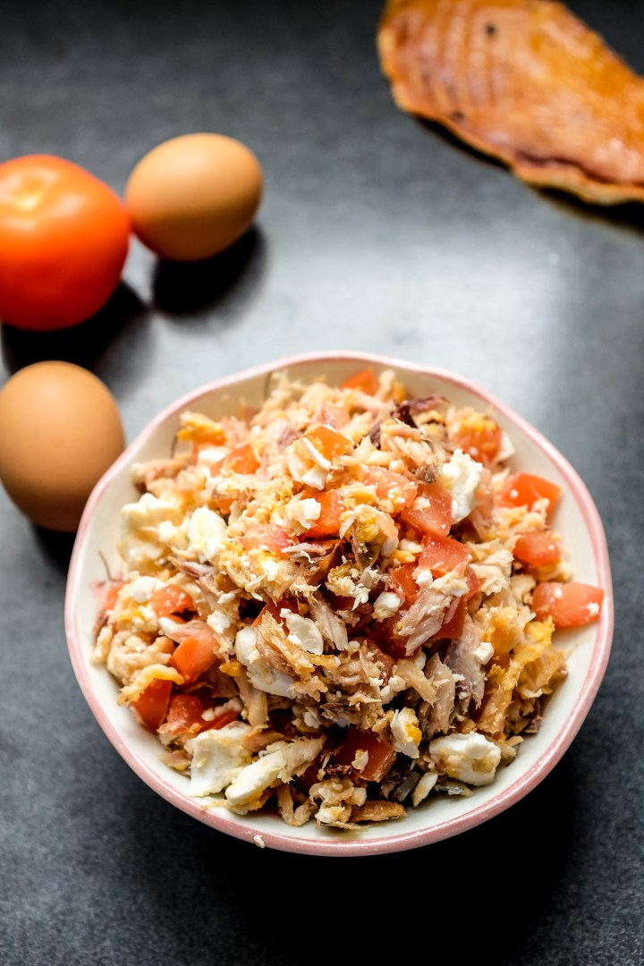 tinapa-flakes-salted-duck-egg-and-tomato
