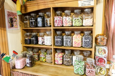 Birdwoods Gallery and Sweet Shop 02
