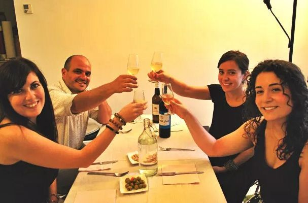 Cheers for Withlocals Spain and our wonderful hosts, Clara and Carlos!