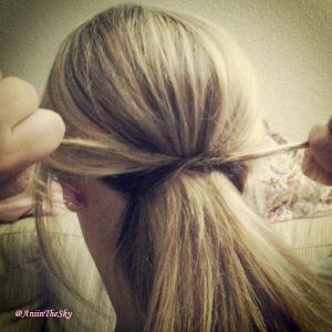 como-hacer-peinado-con-lazo-pelo-lazada-1