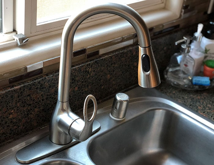 how to replace a kitchen faucet for