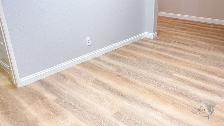 installing vinyl plank flooring for