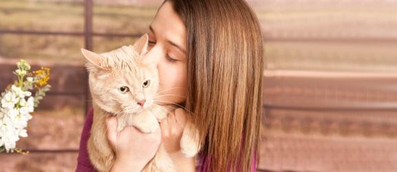 Κάνει να φιλάτε τη γάτα σας;