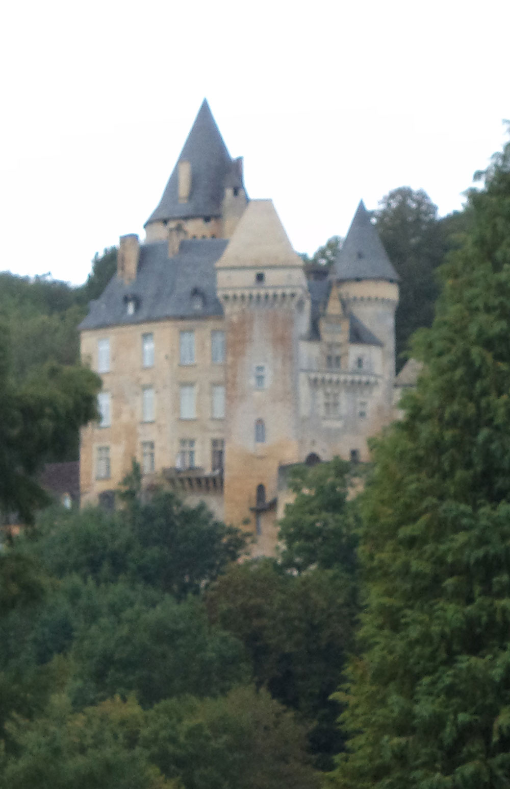 Passing stately chateaux…