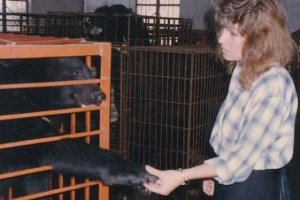 Jill Robinson meeting Jasper for the first time. (Animals Asia Foundation photo)