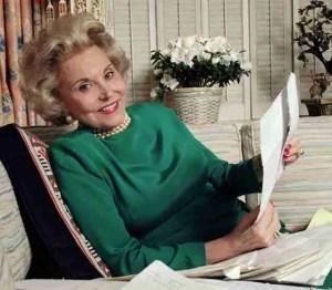 "Effie Lederer, author of the ""Ann Landers"" column from 1955 to 2002, circa 1987."