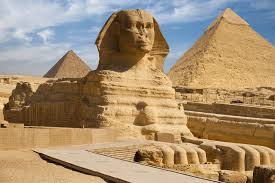 The Sphinx guards the Giza pyramids from rats.
