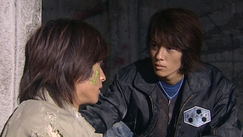 close up of the two leads of Kamen Ride Blade talking
