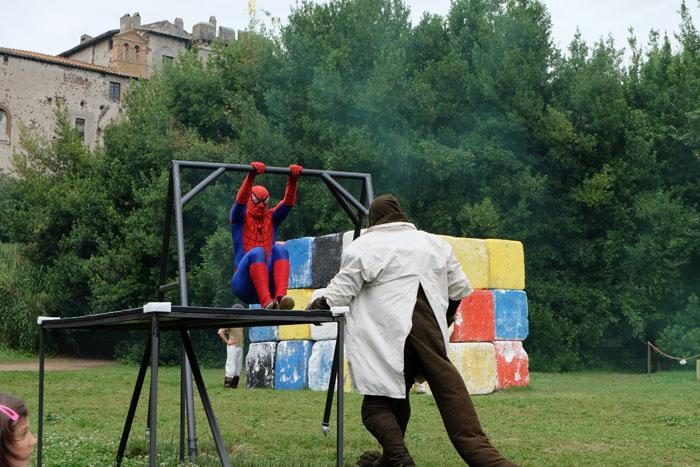 campo granbde supereroi al fantastico mondo del fantastico al castello di lunghezza