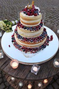 naked cake realizzata per un matrimonio in cantina