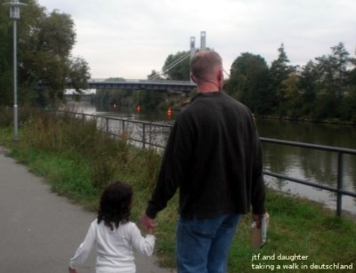 daddy-daughter-walking