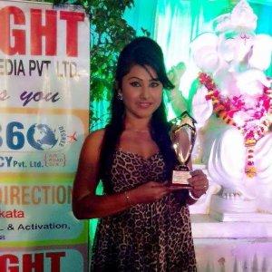 प्रियंका बनली साल २०१३ के सर्वश्रेष्ठ नवोदित अभिनेत्री