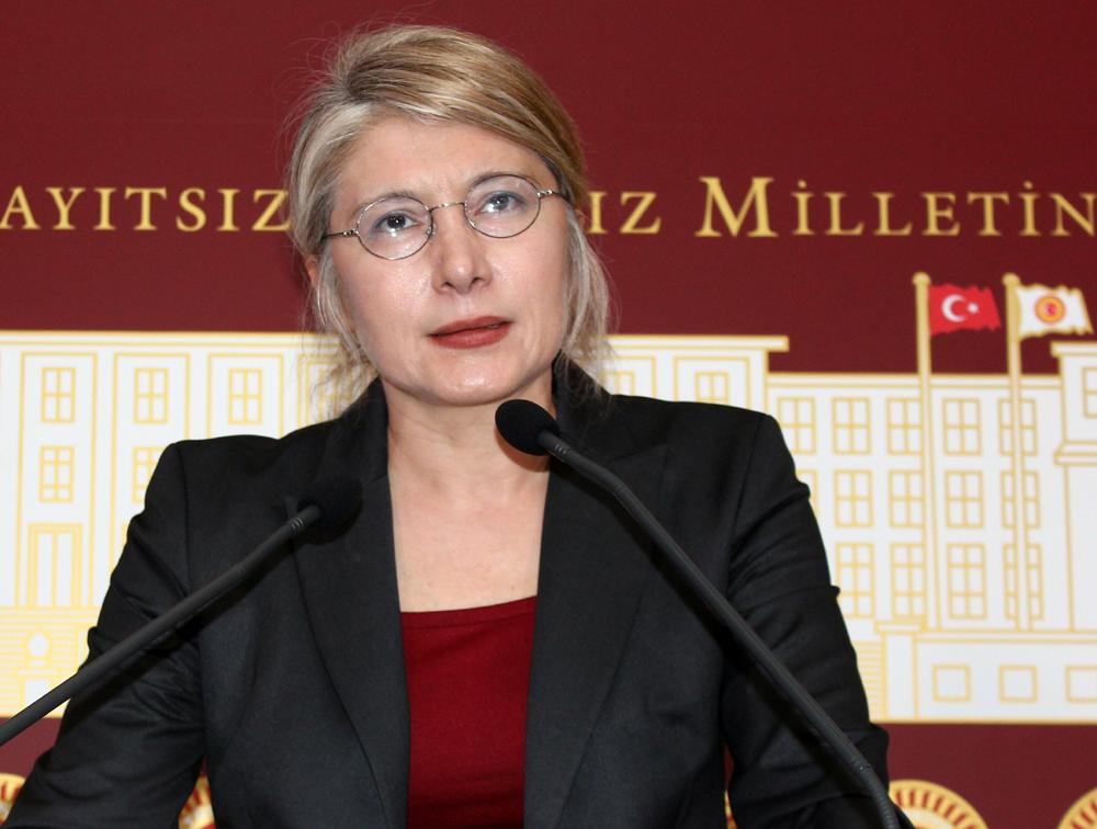 """""""Sarışın Lider""""in de Paşası Var!"""