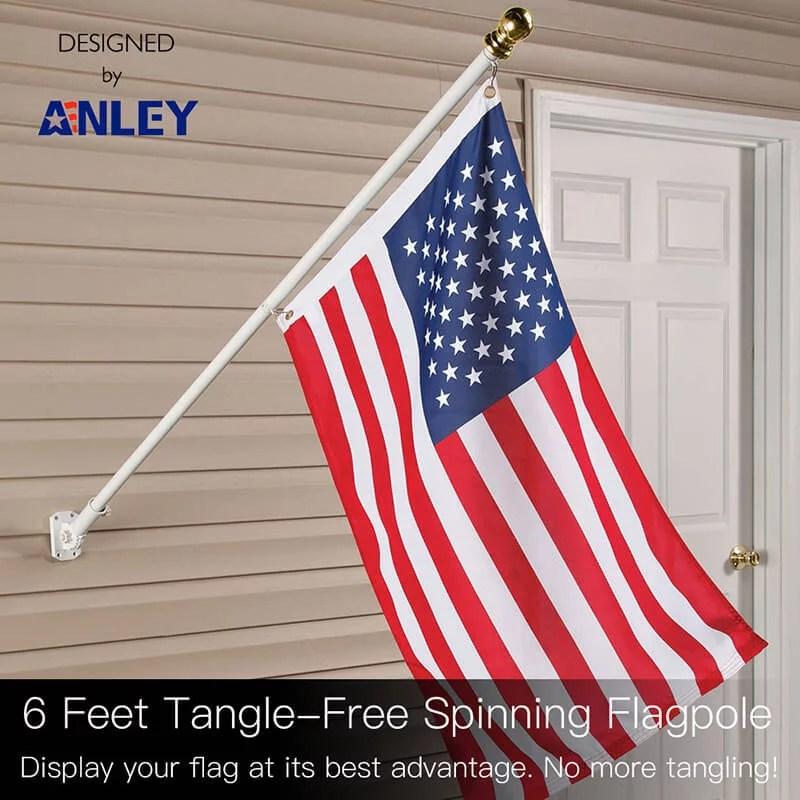 Tangle free spinning flagpole