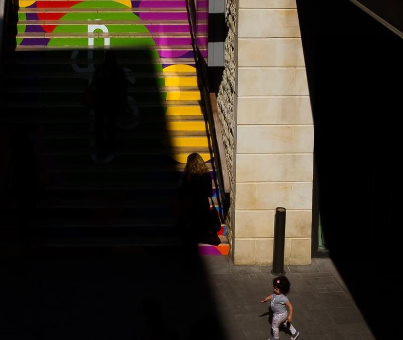 Colorful street photography – One stop, two pics