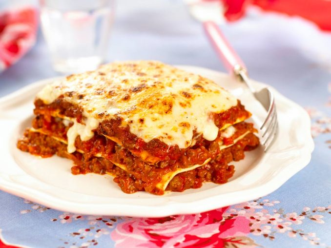 Delicious And Easy Beef Lasagne Recipe | Annabel Karmel
