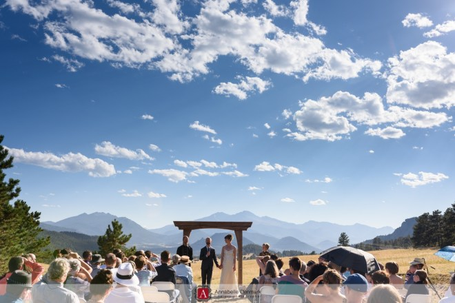 A casual mountain wedding in Estes Park