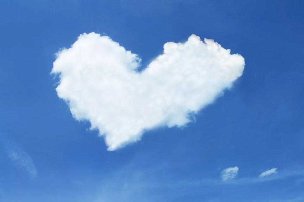 nube en forma de corazón marketing consciente