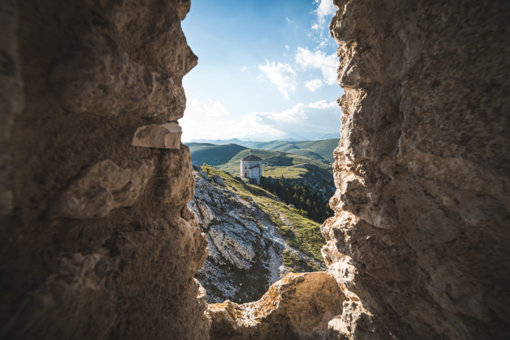 Chiesa di Santa Maria della Pietà vista dalle mura della Rocca