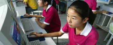 studenti di hong kong guardano più porno