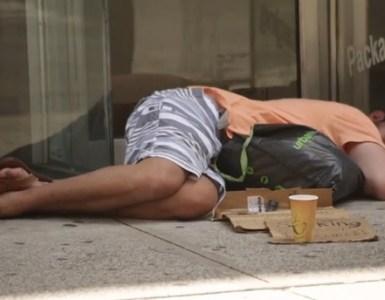 stuprata senzatetto