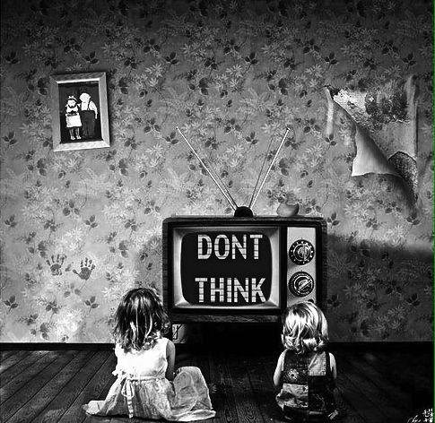 figli sempre davanti al televisore