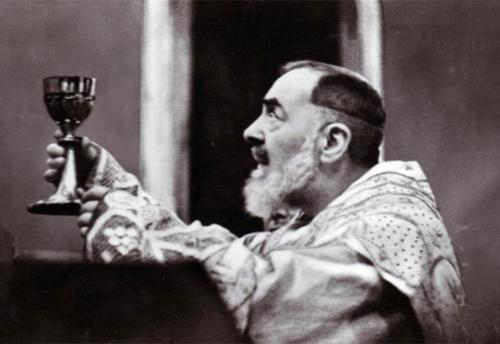 Padre Pio e la maledizione dell'operaio