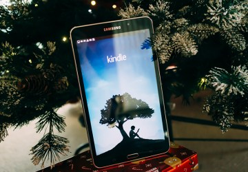 gift guide for those who like to read over Christmas
