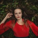 portret kobiety na ziemi anna pijas fotografia opinie